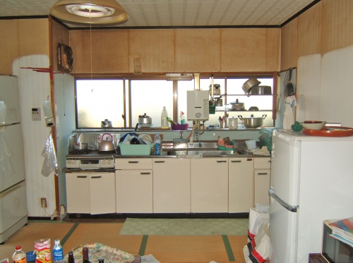 kitchen016_01-before.jpg
