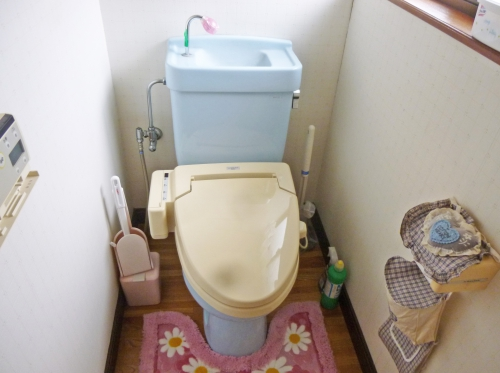 toilet004_01-before.jpg