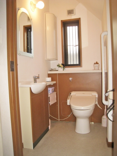 toilet006_01-before.jpg