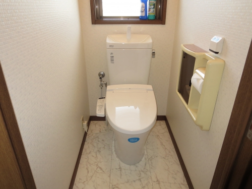 toilet008_01-after.jpg