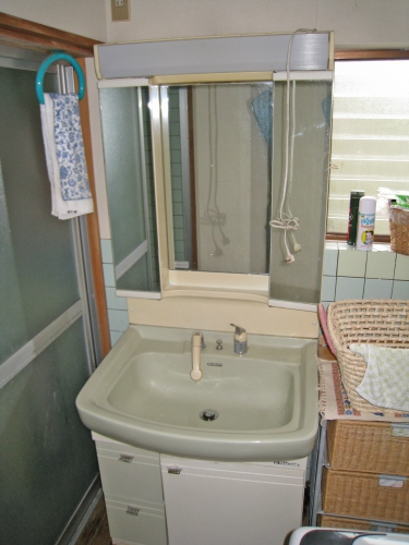 washstands003_01-before.jpg